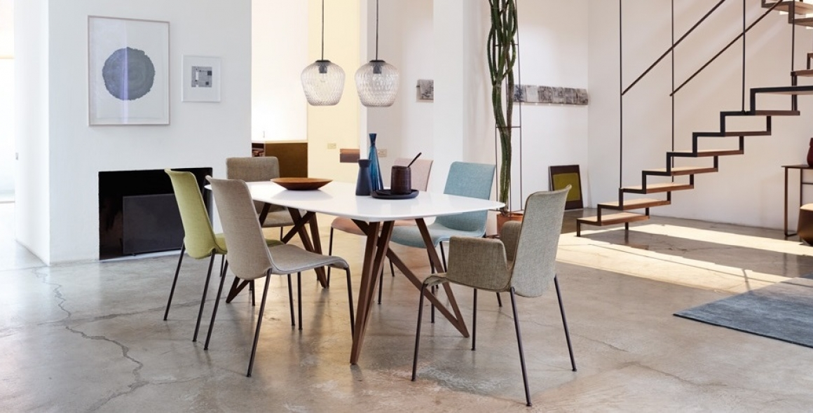 Liz dining chair designed by Claudio Bellini for Walter Knoll, Walter Knoll Liz dining chair with arms