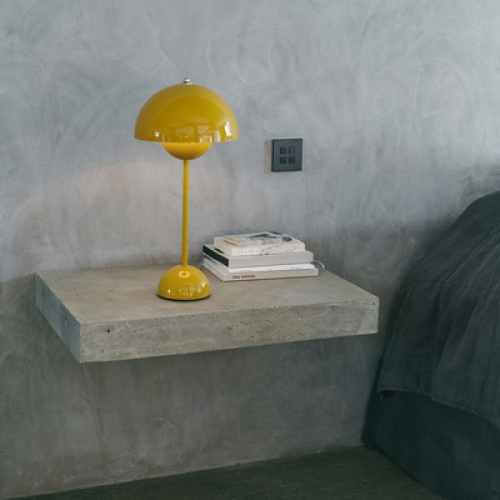 Flowerpot table lamp designed by Verner Panton, Flowerpot VP3 &Tradition